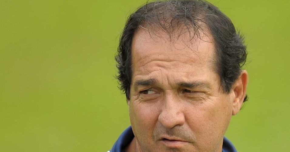 Treinador Muricy Ramalho comanda o Palmeiras em Atibaia