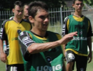 Lucio Flavio será um dos responsáveis por dar assistências aos atacantes do Alvinegro