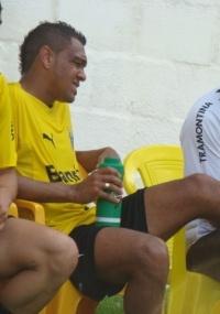 Leandro recebe tratamento após acusar dores no pé esquerdo