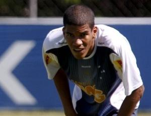 Leonardo Silva afirma que rendimento da defesa, que levou nove gols em cinco jogos, não preocupa
