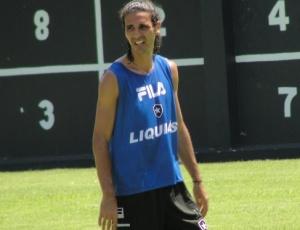 Volante Leandro Guerreiro entende que o forte calor que faz em Saquarema chega a ser desumano