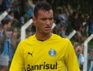 Presidente Alexandre Kalil anuncia zagueiro Réver, ex-Grêmio, como novo reforço do Atlético-MG