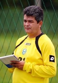 Ney Franco quer a vitória sobre o Atlético, domingo, no Couto