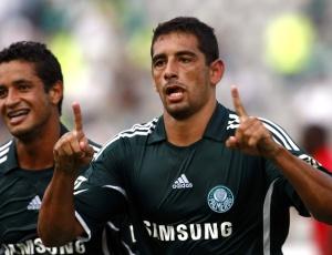 Diego Souza estava desvalorizado no Benfica e cresceu vindo para o Grêmio emprestado, em 2006