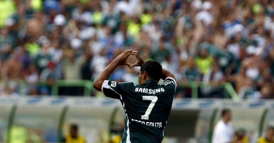 Diego Souza comemora ao marcar gol para o Palmeiras na vitória sobre o Mogi Mirim na estreia no Campeonato Paulista 2010