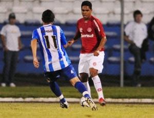 T. Humberto em ação contra o Esportivo