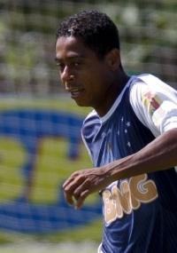 Marquinhos Paraná disputou dez clássicos e venceu oito vezes