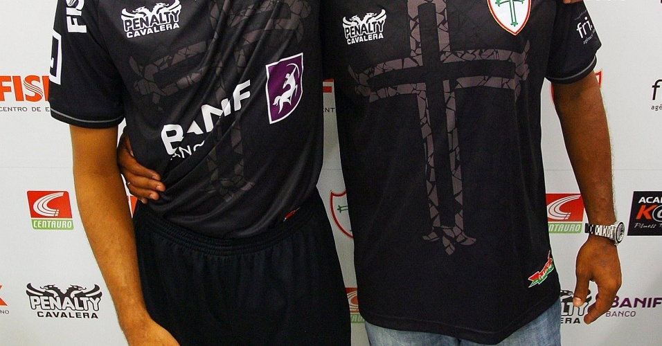 Portuguesa apresenta sua camisa de nº 3 para a temporada 2010