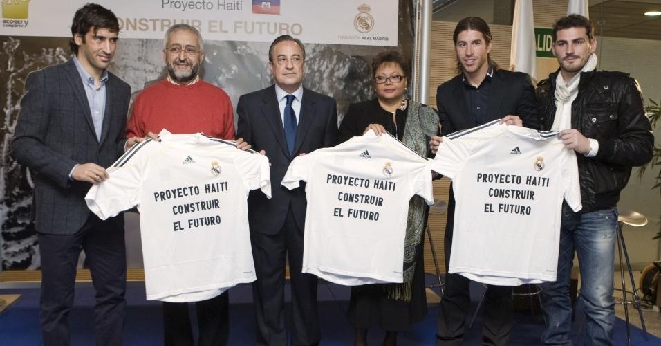 Jogadores do Real Madrid comparecem na cerimônia de ajuda ao Haiti