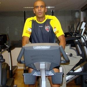 Alex Silva treina pela primeira vez como reforço do São Paulo