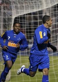 Wellington Paulista comemora o gol marcado contra o Real Potosí