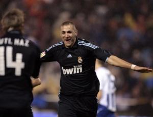 Francês Benzema marcou duas vezes na vitória fora de casa do Real Madrid sobre o La Coruña