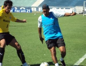 Silas participou do treino com os jogadores