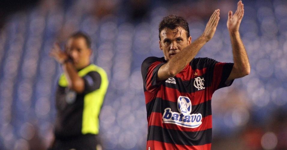 Pet faz reunião para definir futuro no Flamengo