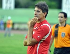 Renato Gaúcho comanda o Bahia nesta terça e, depois, deve dar resposta à oferta do Grêmio