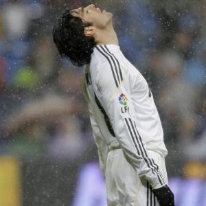 Com atuações apagadas nas últimas partidas pelo Real Madrid, Kaká recebeu vaias e críticas