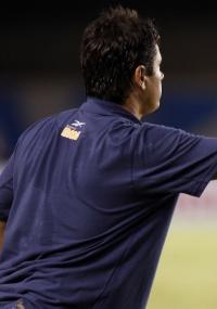 Adilson Batista espera ver o Mineirão lotado contra o Colo Colo