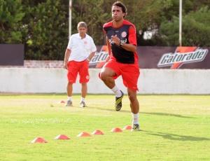 Zagueiro Ronaldo fez um trabalho específico de preparação física no Inter e já está pronto para jogar