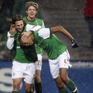 Naldo comemora seu gol na vitória do Werder sobre o Hoffenheim pelas quartas da Copa da Alemanha