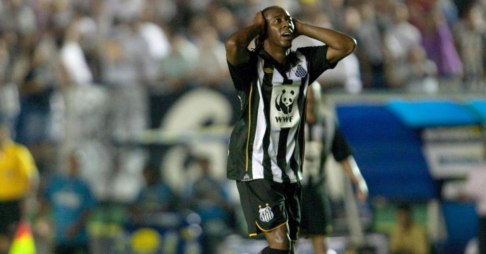 Arouca lamenta chance perdida no Santos