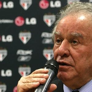 São Paulo pode fazer três alterações na lista para Libertadores. Ideia é ter Fernandão e um lateral
