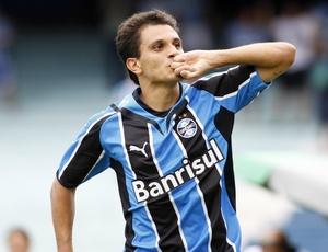 Fábio Sanos deve renovar contrato com o Grêmio por duas temporadas após não receber propostas