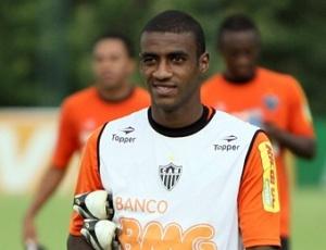 Muriqui ressalta a importância dos atacantes ajudarem na marcação no time do Atlético-MG