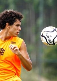 Fabrício foi revelado pelo Fla e disputa primeira Libertadores