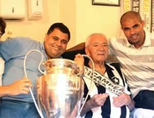 Nilton Santos é lembrado pelo Alvinegro, que considera 16 de maio como Dia do Botafogo