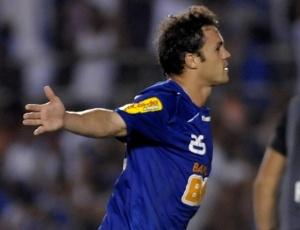 Kléber não quer ver o Cruzeiro surpreendido pelo Deportivo Italia, lanterna do grupo 7 da Libertadores