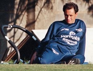 Evair, que foi jogador de Luxemburgo no Palmeiras, estreia como técnico do Uberlândia ante o Atlético