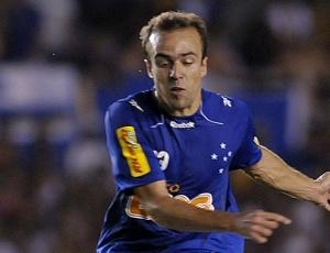 Roger disse que Parreira, que o iniciou no futebol, o ajudou tanto profissional quanto pessoalmente