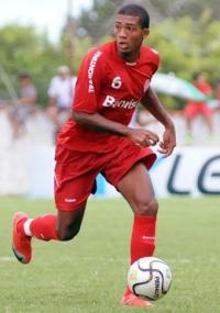 Jogador foi inscrito no grupo da Libertadores e vem treinando bem