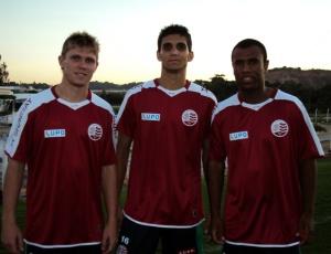 Rafael Forster (e), Igor e Daniel, chegam ao Náutico por empréstimo após uma parceira com o Inter-RS