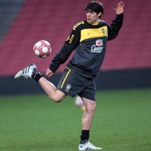 Com jogadores ainda em recuperação, como Kaká, seleção não quer grandes desafios antes da Copa