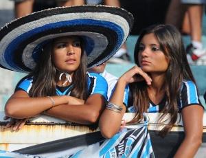 Torcedoras não pagarão ingresso neste sábado contra o Porto Alegre, se doarem material escolar