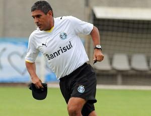 Técnico Silas quer cuidados contra o Porto Alegre