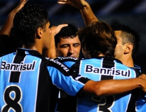 Comemorando 10ª vitória consecutiva, jogadores do Grêmio planejam final do 2º turno no Olímpico