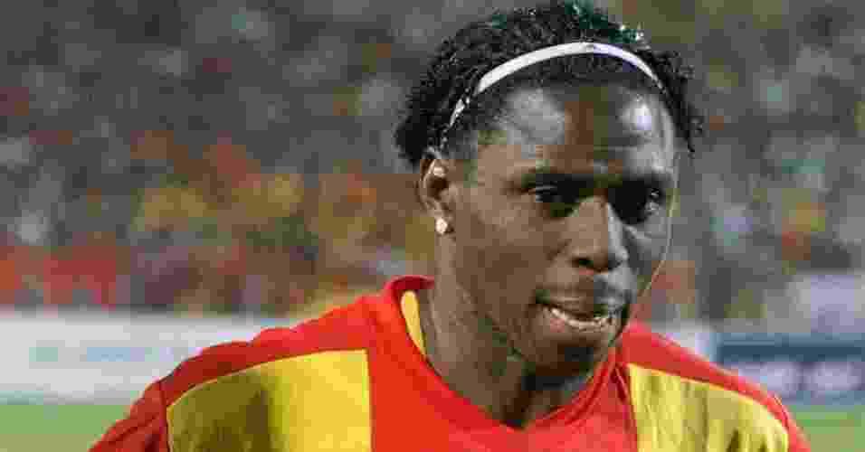 Imagem de arquivo de Endurance Idahor; jogador nigeriano morreu no dia 07/03/2010 durante uma partida do Campeonato Sudanês - AFP