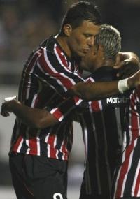 Washington (esq.) e M. Paraíba já demonstraram insatisfação com a reserva e agora terão a chance de mostrar serviço pelo Brasileirão