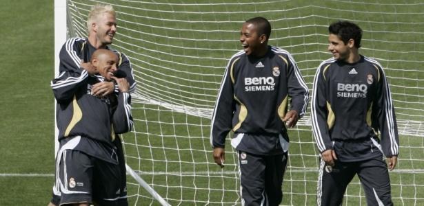 Beckham e Roberto Carlos jogaram juntos em Madri