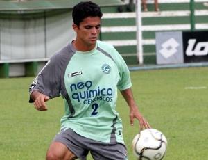 Deyvid Sacconi é o 1º, dos 3 jogadores envolvidos na negociação com Vítor a chegar para o Goiás