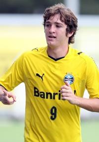 Mário Fernandes será poupado do jogo de domingo contra o Inter-SM