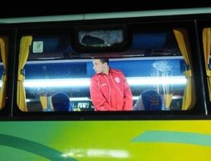 Torcedores do Deportivo Quito arremessaram pedras contra ônibus da delegação do Inter