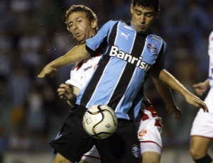 William foi indicado por Silas e terá sequência no time motivada por lesão de Borges, até a Copa