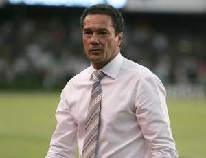 Com a vantagem de jogar por dois empates, Atlético, de Luxa, desafia o Ipatinga, fora de casa