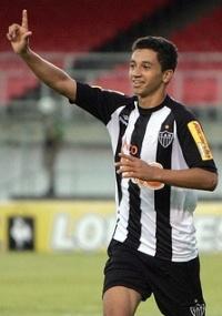 Renan Oliveira comemora gol na vitória sobre a Caldense por 4 a 0
