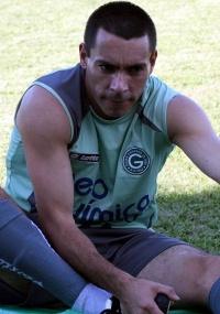 Goiás quer renovar com atacante Felipe, 31 anos, até o fim de 2012