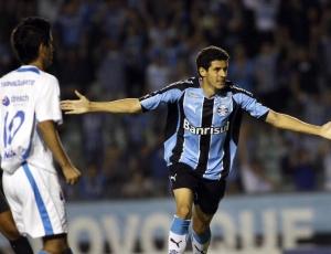 Elogiado, Maylson não deve deixar o time, mesmo com retorno de ex-lesionados Hugo e Leandro