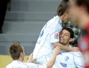 Kuranyi foi o herói da partida com 2 gols marcados